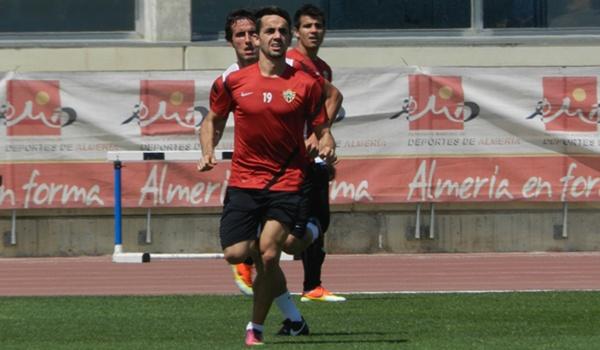 El madrileño es titular de nuevo con la UD Almería y se juega el ascenso en Lugo