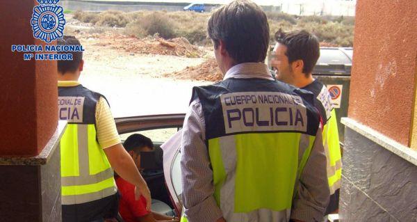 Detenidos 'in fraganti' cuando robaban en una vivienda en Almería