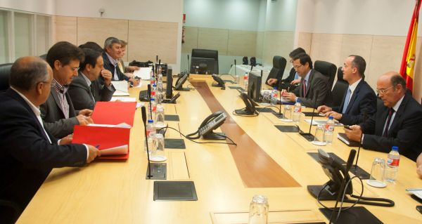 Foto reunión Interior robos campo