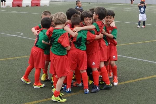 Obra Social de La Caixa y Día del Voluntariado con fútbol para niños en Almería