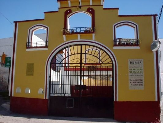 Puerta plaza de toros de Berja