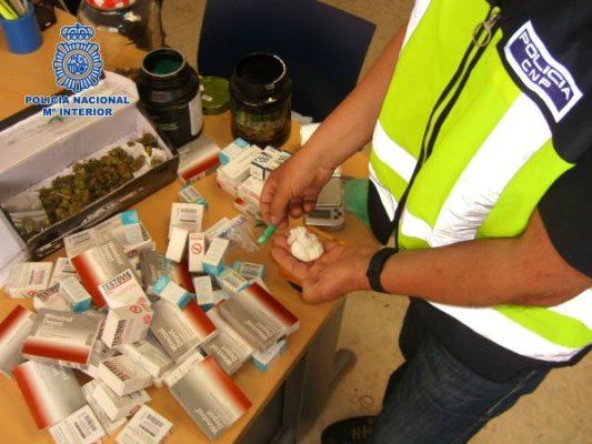 Materia encontrado por la Policía Nacional en la vivienda registrada