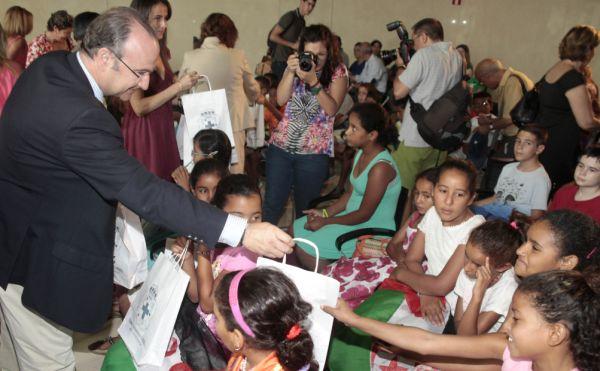 Alcalde recepcion niños sahara