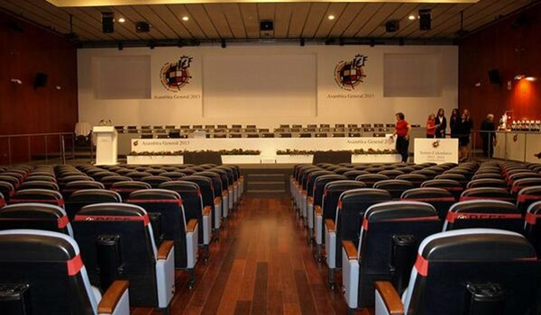 El Almería comenzará su vuelta a Primera ante el Villarreal
