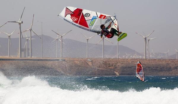 Windsurf en Gran Canaria y deportista de El Ejido