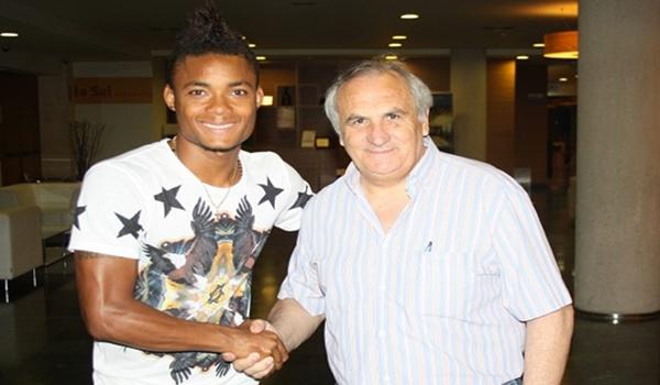 Cedido por el Palermo de Italia para jugar otra vez en la liga de España