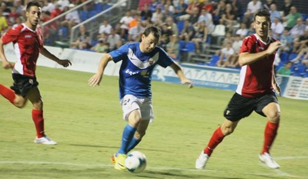 El Almería camina hacia Primera ganando tres de cuatro partidos en la Región de Murcia