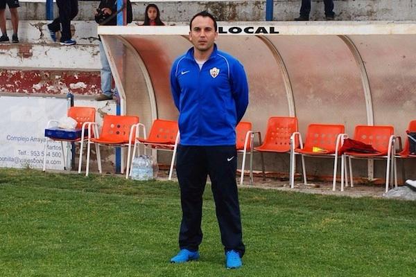 Entrenador de los cadetes de la UD Almería ejemplo de fair play
