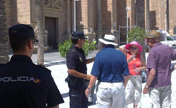 Policía turistas