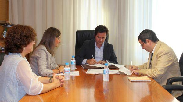 firma convenio El Ejido