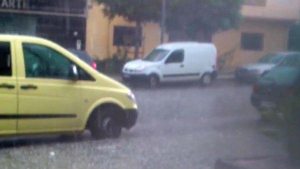 Una tormenta de granizo deja más de una docena de incidencias en la provincia de Almería
