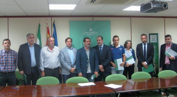entrega ayuda a empresas hotícolas de Almería