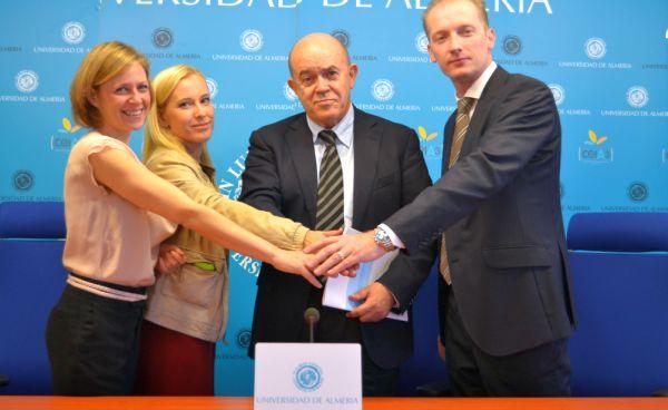firma convenio UAL y Capman
