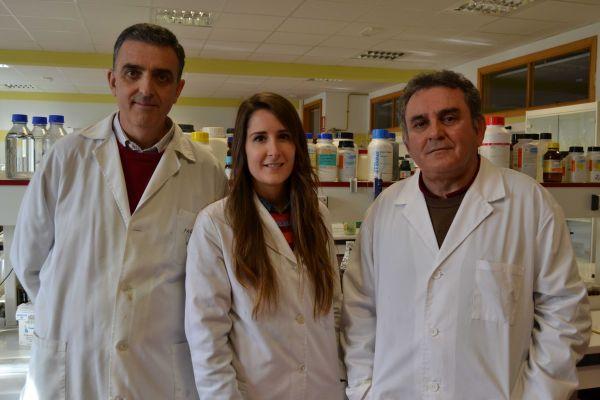la drcha Jose Luis Guil con dos de sus colaboradores