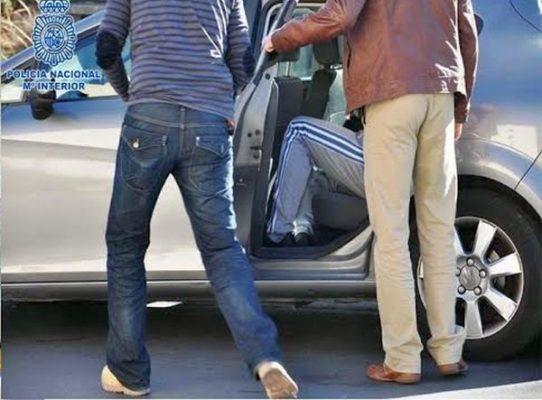 Policía detenidos atraco