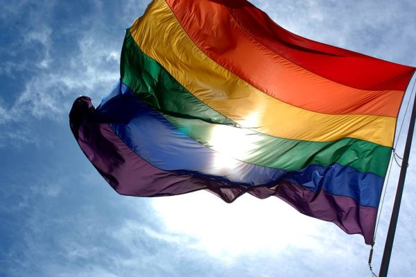 Equo tilda de discriminatoria la actitud del Centro Vecinal Oliveros con el colectivo LGBtI