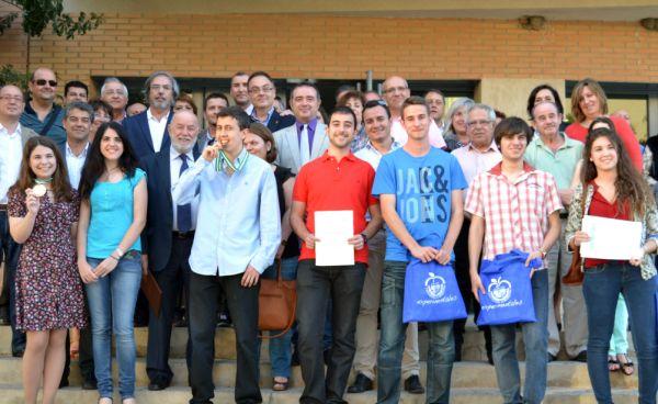 Foto familia alumnos Olimpiadas ciencias