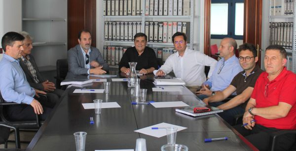 foto reunion junta central ayuntamiento delegacion y vecinos de las norias