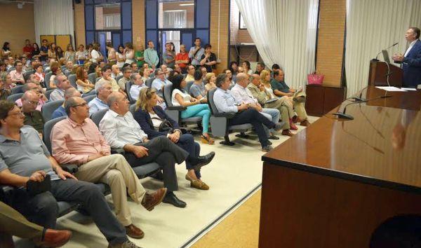 Presentación de la candidatura a rector de Javier de las Nieves