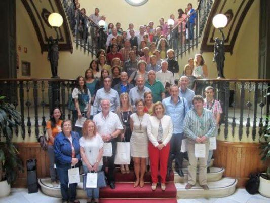 Foto de familia de la entrega las credenciales a los ayuntamientos