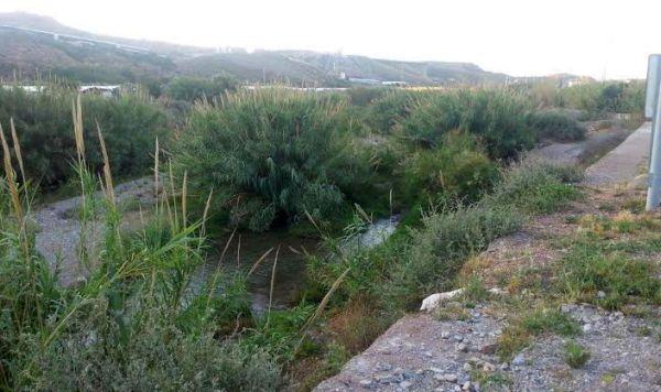 Las obras de prevención de inundaciones en el tramo final del río Adra durarán dos años