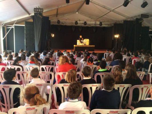 Niños Carpa Feria del Libro