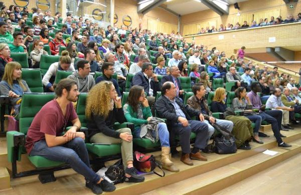 Alumnos y profesores de la UAL presentes en el acto convocado por De las Nieves