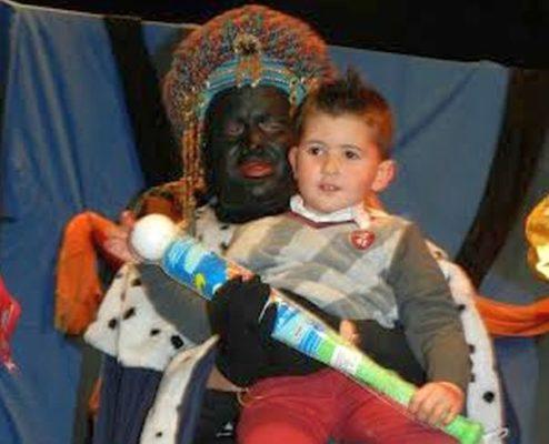El Rey Baltasar con un niño en Mojácar
