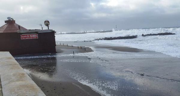La costa almeriense, afectada también por el viento