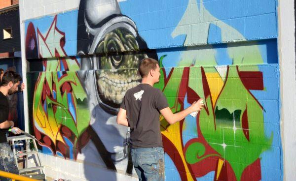 Murales y graffitis, plato fuerte del festival