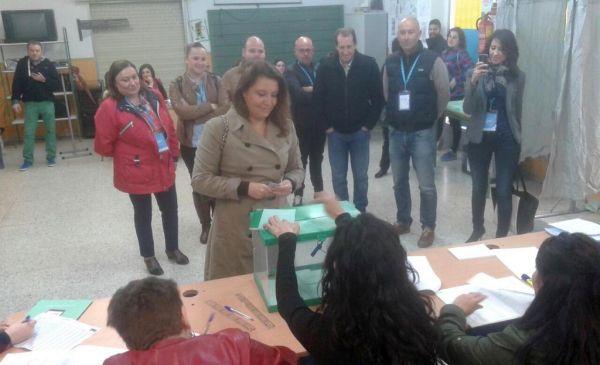 Carmen Crespo vota