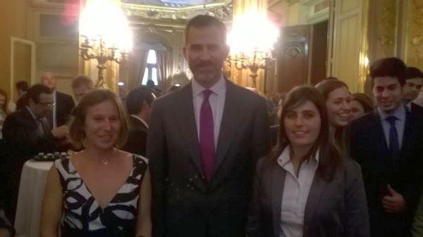 Felipe VI con alumnas de la UAL