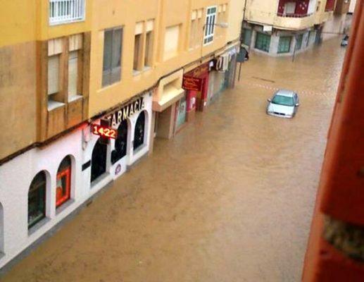 Estado de las calles de Balerma tras la lluvia de este viernes