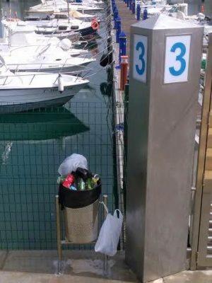 Estado de una de las dársenas del puerto deportivo de Adra