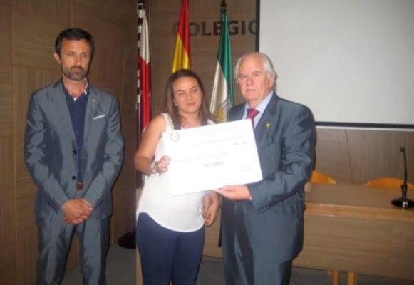 Entrega de uno de los galardones 'Veterinarios Solidarios'