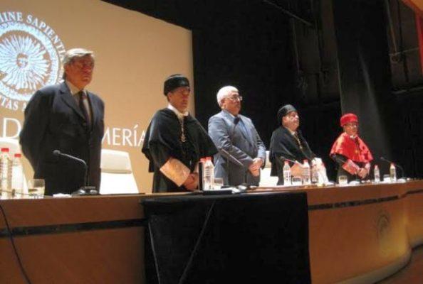 En el centro, el consejero de Economía y Conocimiento de la Junta de Andalucía, Antonio Ramírez de Arellano