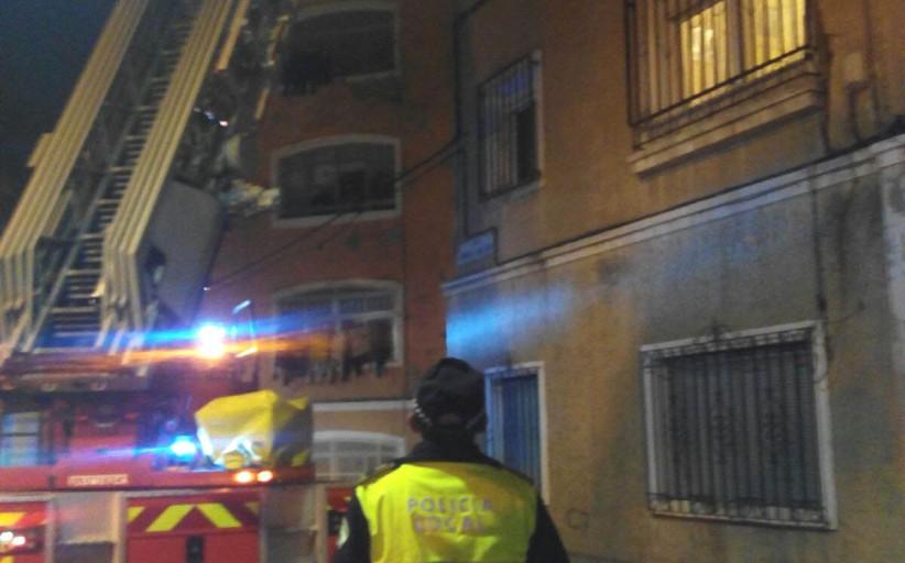 Encierra a su abuela de 82 años en casa sin agua, luz ni comida y la rescata a las 48 horas la Policía en Almería