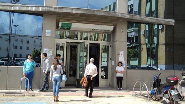Epa andaluc a despidi 2015 con cerca de 1 2 millones de personas en paro almer a 360 - Oficina de empleo andalucia ...