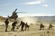 Despliegue militar en el desierto de Tabernas en el rodaje de 'En zona hostil'