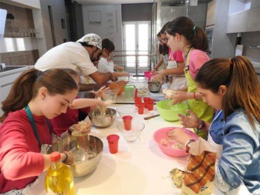 El p blico infantil y la cocina creativa juntos en el for Teatro la cocina