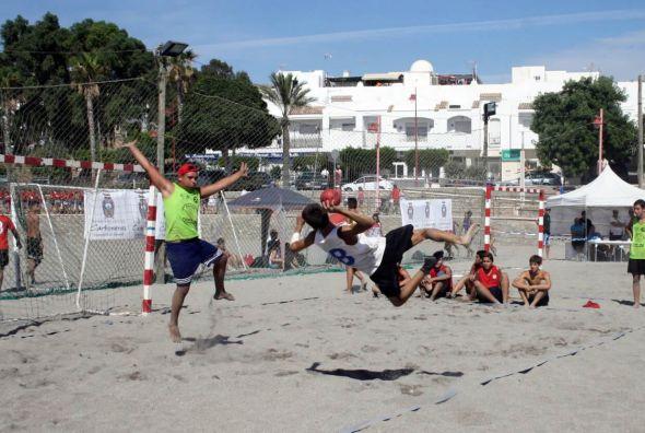 Javi Castillo, balonmano playa