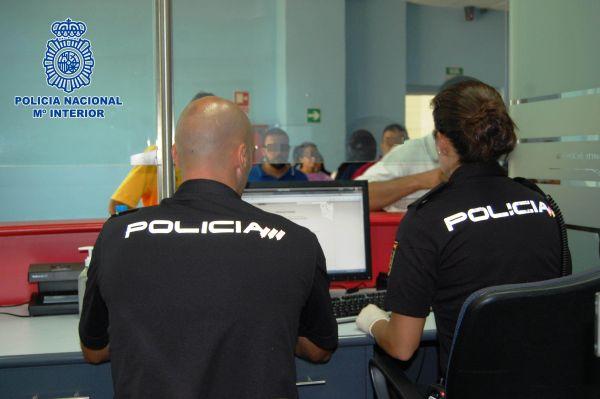 Tres detenidos por vender oro falso en tiendas de El Ejido, Almería y Granada