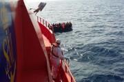 Rescatados 44 inmigrantes en dos pateras frente a las costas de Almería