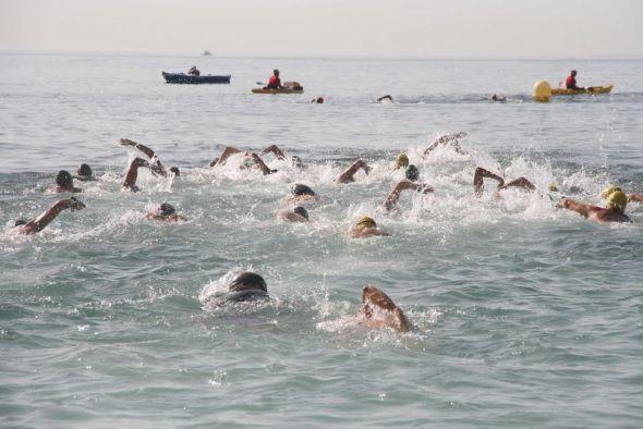 Roquetas celebra la 39 traves a de el puerto a nado for Gimnasio 360 roquetas de mar