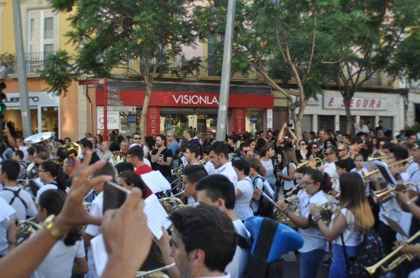 Marcha reivindicativa a su paso por Puerta Purchena