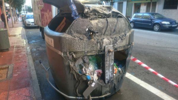 contenedor-quemado-almeria