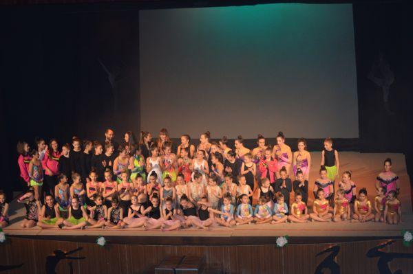 Foto de familia de las gimnastas