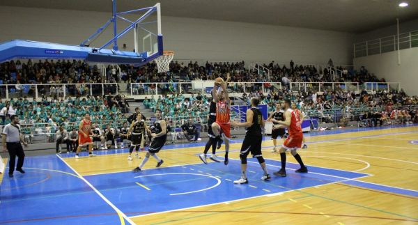 Victoria de Ecoculture CB Almería con fiesta de las Escuelas Deportivas