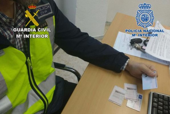 Policía y Guardia Civil, carnets falsos