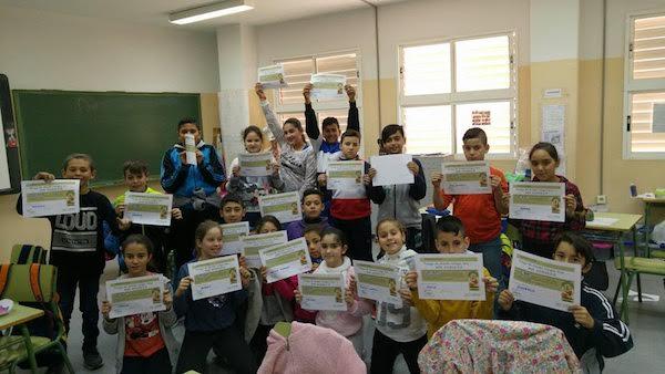 niños con diploma de andaluz